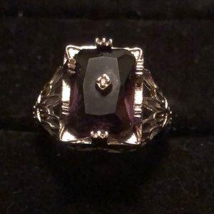 Sterling Silver Ring w/Purple Stone Sz 6